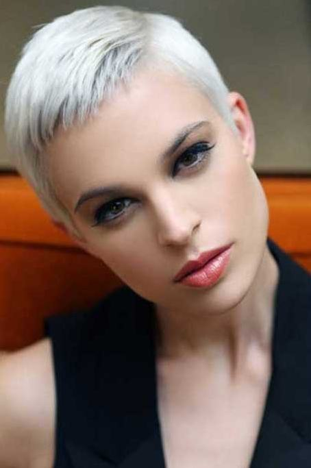 Short-Pixie-Hairstyles-for-Grey-Hair - Talk About Well-being
